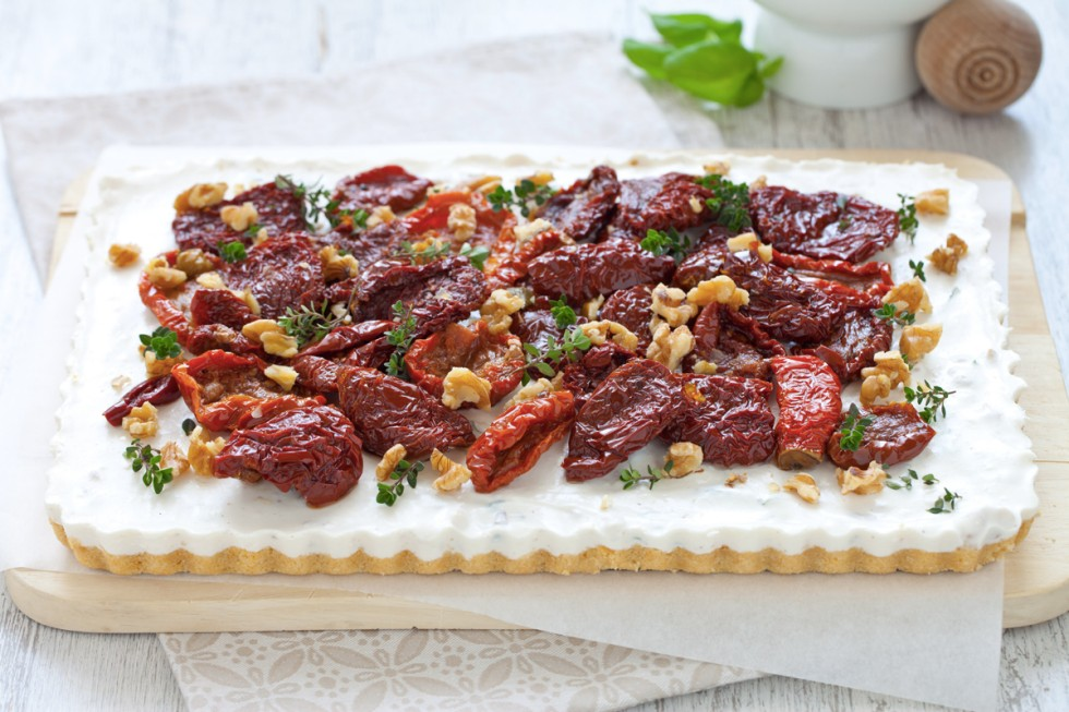 Ricetta cheesecake alla ricotta, noci e pomodori secchi