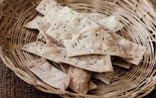 Ricetta crackers di farro al cumino