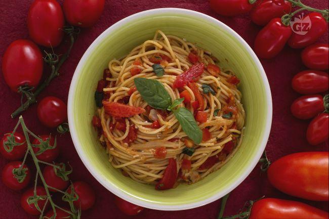 Ricetta spaghetti ai tre pomodori