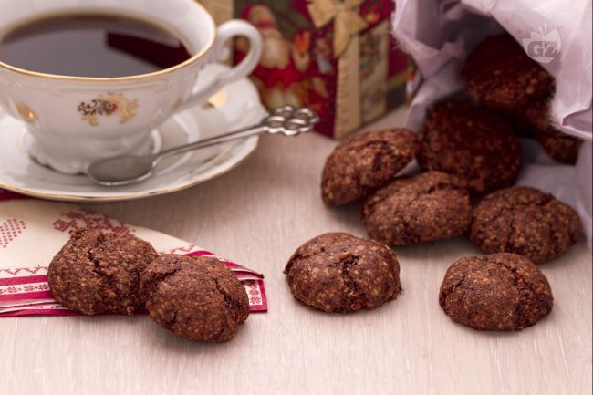 Ricetta biscottini speziati con cioccolato e mandorle