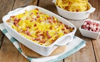 Ricetta sformato di tagliatelle con pancetta e formaggio