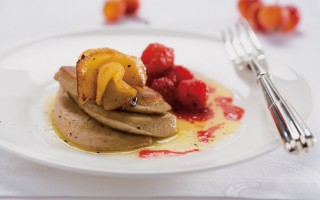 Ricetta foie gras alle mele con salsa di lamponi