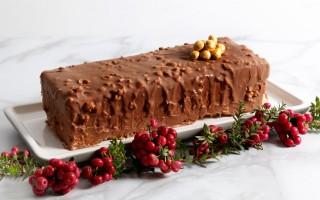 Ricetta torta alla nocciola glassata con cioccolato al latte ...