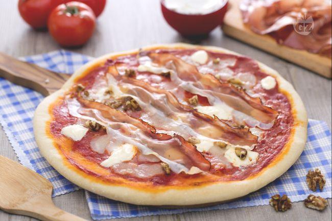 Ricetta pizza mascarpone speck e noci