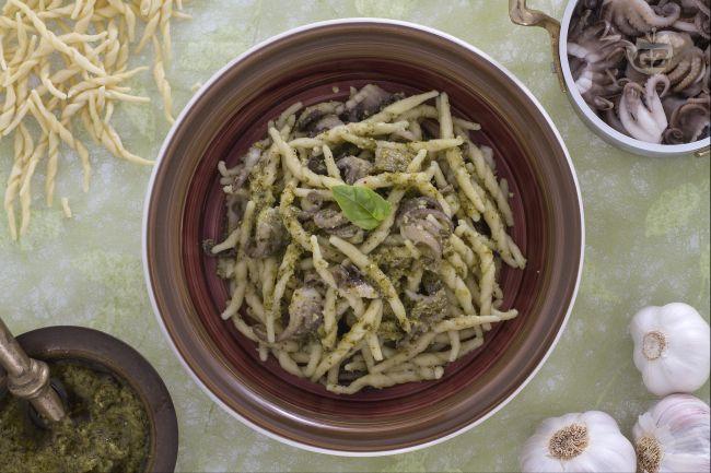 Ricetta pasta ai moscardini e pesto