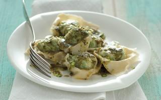 Ricetta ravioli di pesce con erbe, pistacchi e timo
