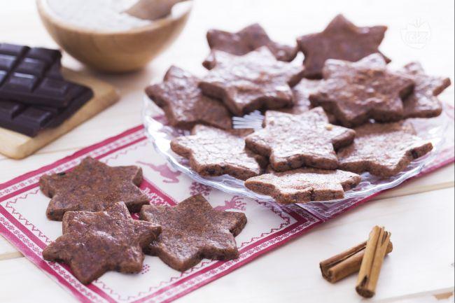 Ricetta stelle croccanti con cioccolato e cannella