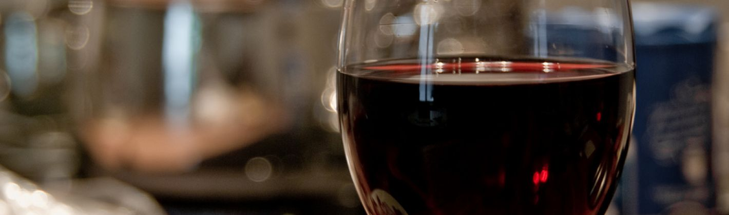Ricetta ippocrasso (vino speziato medioevale)