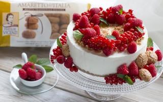 Ricetta cheesecake all'amaretto e frutti rossi