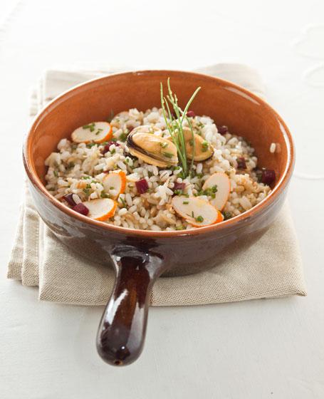 Riso 3 cereali con cozze, vongole e barbabietola rossa