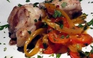 Ricetta coda di rospo in padella con peperoni in agrodolce ...