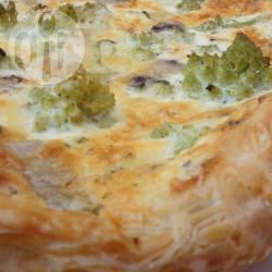 Torta salata ai funghi e broccolo romano
