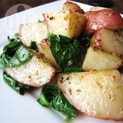 Patate arrostite con spinaci freschi