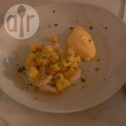 Tartara di gamberetti, ananas e maionese