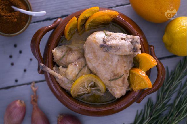Ricetta pollo in coccio marinato agli agrumi
