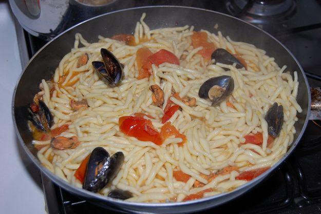 Ricetta pasta con cozze e olive