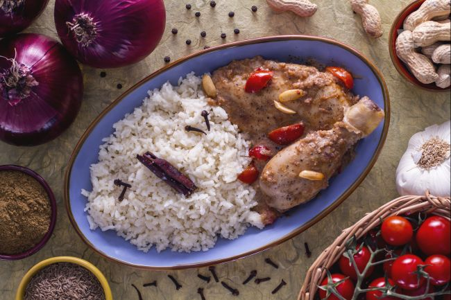 Ricetta stufato speziato di pollo e arachidi