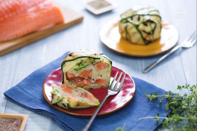 Ricetta timballo di salmone e zucchine