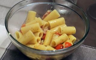 Ricetta maccheroni al pomodoro e pancetta