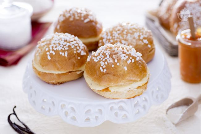Ricetta mini tarte tropezienne con crema mousseline e confettura di ...