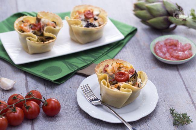 Ricetta cestino di pasta fresca con carciofi, gamberetti e pomodorini ...