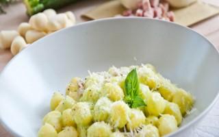 Ricetta gnocchi con zucchine, prosciutto e provola