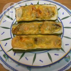Zucchine ripiene con gamberi, piselli e groviera