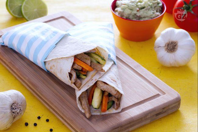 Ricetta tortillas con maiale speziato e guacamole allo yogurt
