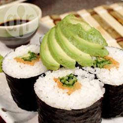Rotolini di sushi al salmone affumicato