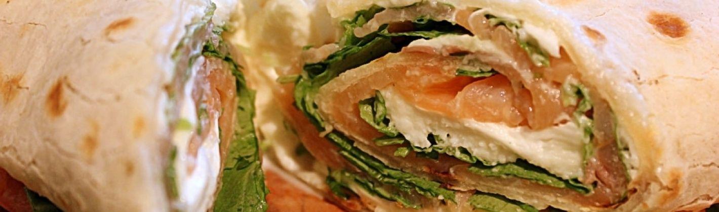 Ricetta piadina con salmone affumicato in rotoli