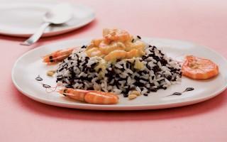 Ricetta riso bianco e nero con gamberi al balsamico