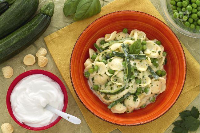 Ricetta orecchiette allo yogurt con zucchine