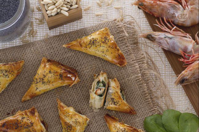 Ricetta involtini di pasta fillo con gamberi e spinaci