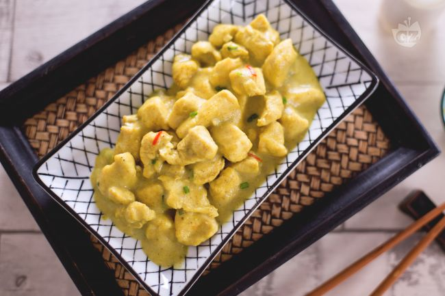 Ricetta pollo al latte di cocco e curry