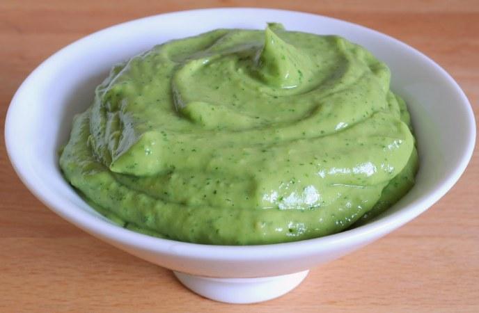 Sugo freddo all'avocado