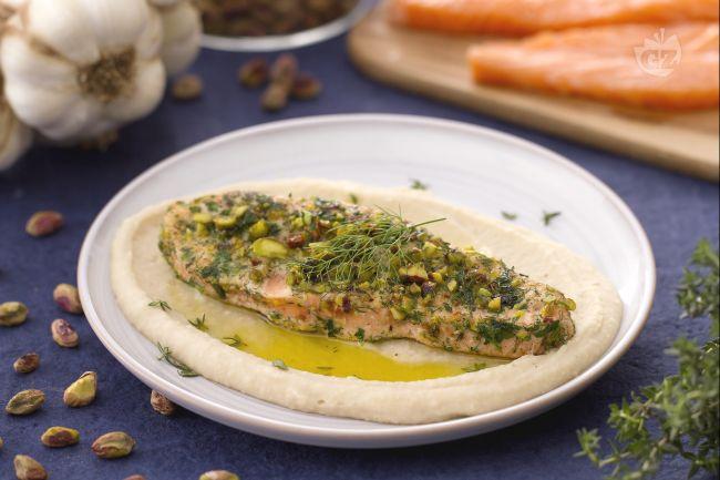 Ricetta salmone croccante su crema di cannellini