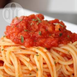 Spaghetti al pomodoro con cipolletta dolce