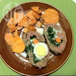 Polpettone ripieno di uova e verdure
