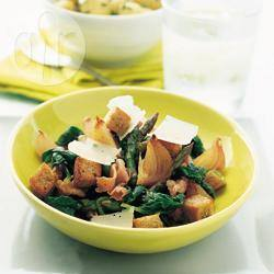 Insalata agrodolce di asparagi, spinaci e prosciutto di parma ...