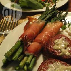 Asparagi in prosciutto e formaggio di capra