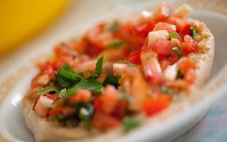Ricetta friselle al pomodoro e basilico