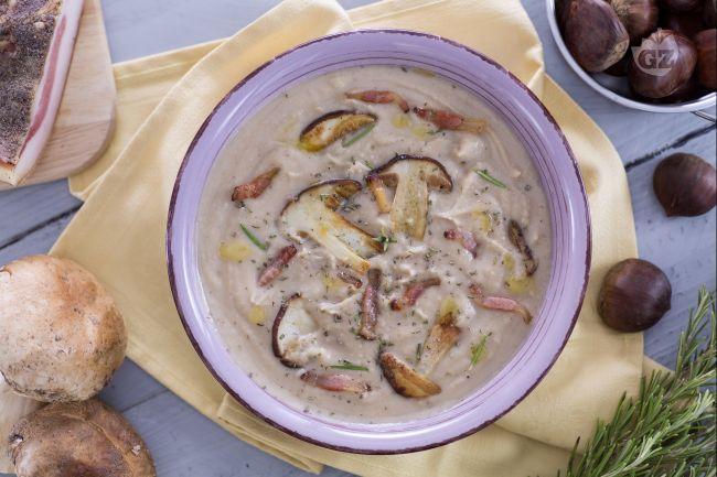 Ricetta vellutata di castagne con porcini e guanciale croccante