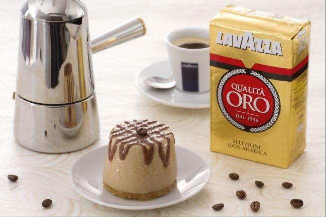 Ricetta cremoso al caffè con biscotto alle mandorle