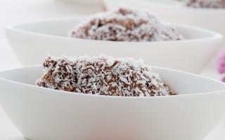 Ricetta quenelle di cocco e ricotta al cacao amaro
