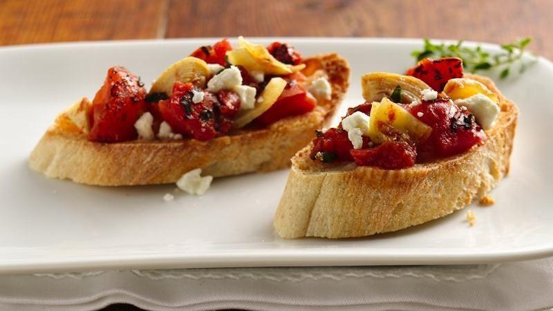 Bruschette con pomodori e feta