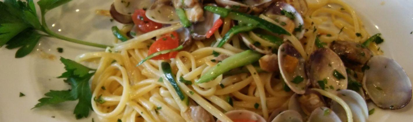 Ricetta linguine con vongole e zucchine