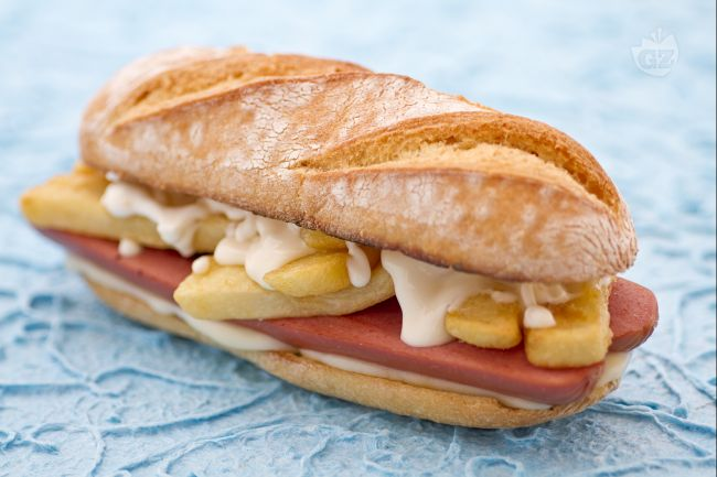 Ricetta panino wurstel e patatine