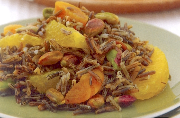 Insalata di riso selvaggio e frutta