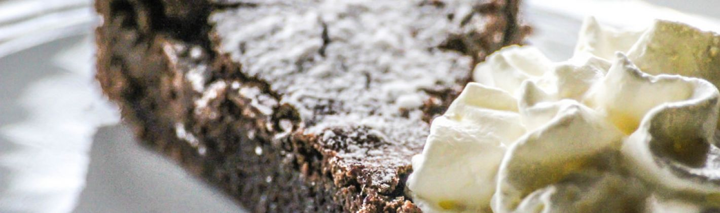 Ricetta torta al cioccolato e datteri