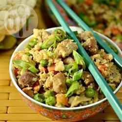 Riso fritto cinese di cavolfiore